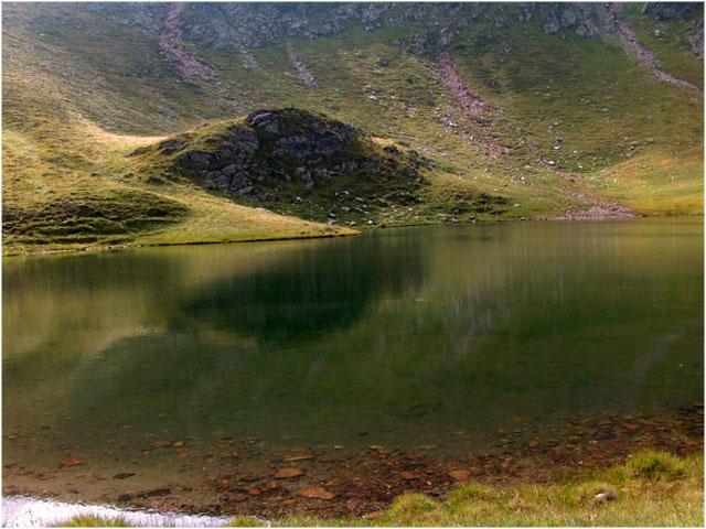 Imagini pentru Lacul Gemenu de Jos